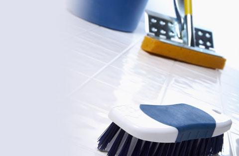schoonmaakbedrijf-borstel-bezem-emmer