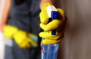 schoonmaakbedrijf-spray